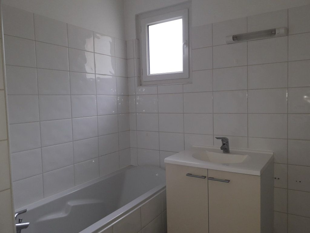Appartement à louer 3 60.4m2 à Cormeilles vignette-5