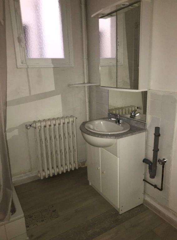 Appartement à louer 3 64.28m2 à Montfort-sur-Risle vignette-4
