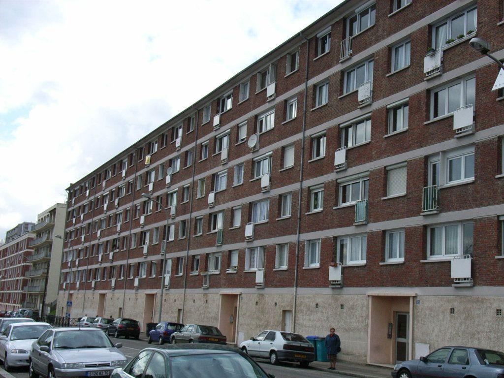 Appartement à louer 4 66.83m2 à Le Havre vignette-1