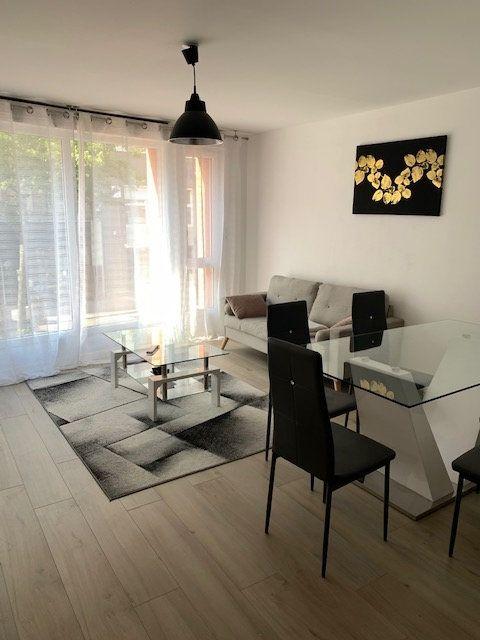 Appartement à louer 3 46.7m2 à Le Havre vignette-1