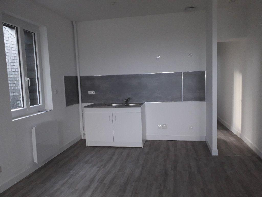 Appartement à louer 3 57.58m2 à Beuzeville vignette-1