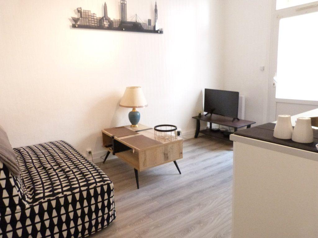 Appartement à louer 2 26m2 à Le Havre vignette-1