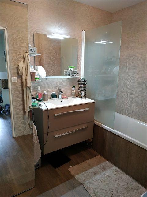 Appartement à louer 4 92.7m2 à Le Havre vignette-4