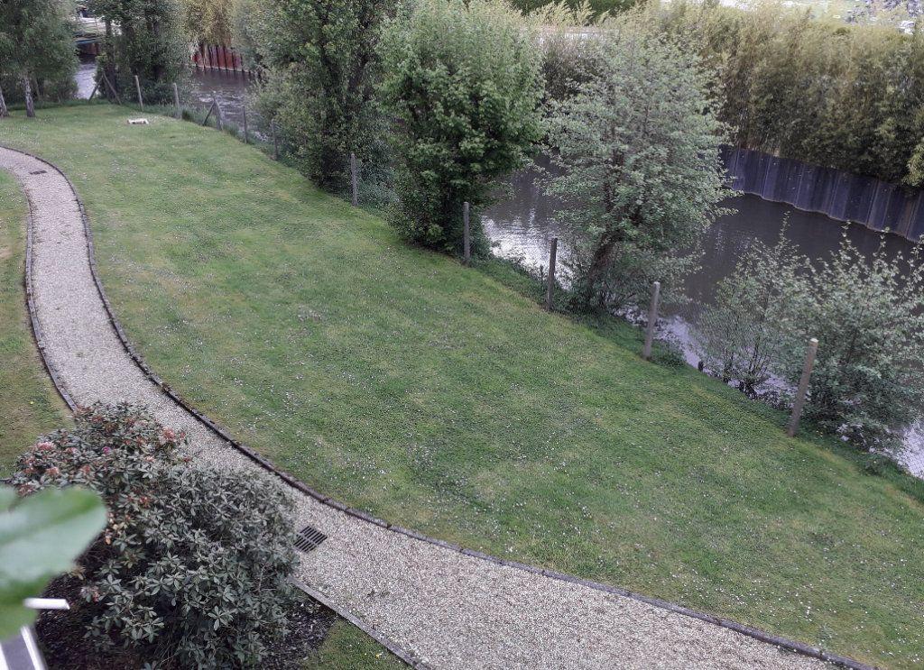 Appartement à vendre 4 79.96m2 à Pont-Audemer vignette-1