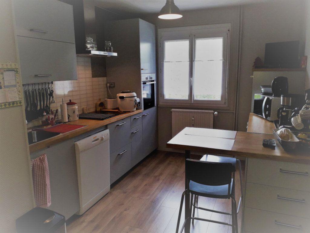 Appartement à vendre 4 79.96m2 à Pont-Audemer vignette-3