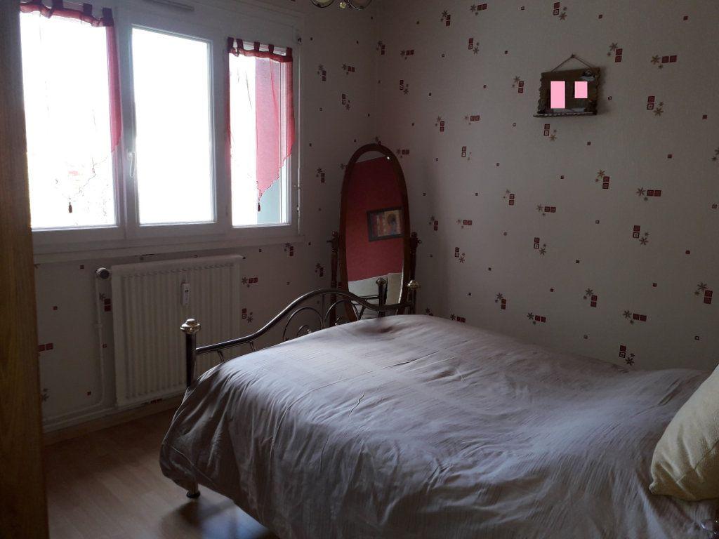 Appartement à vendre 4 79.96m2 à Pont-Audemer vignette-5