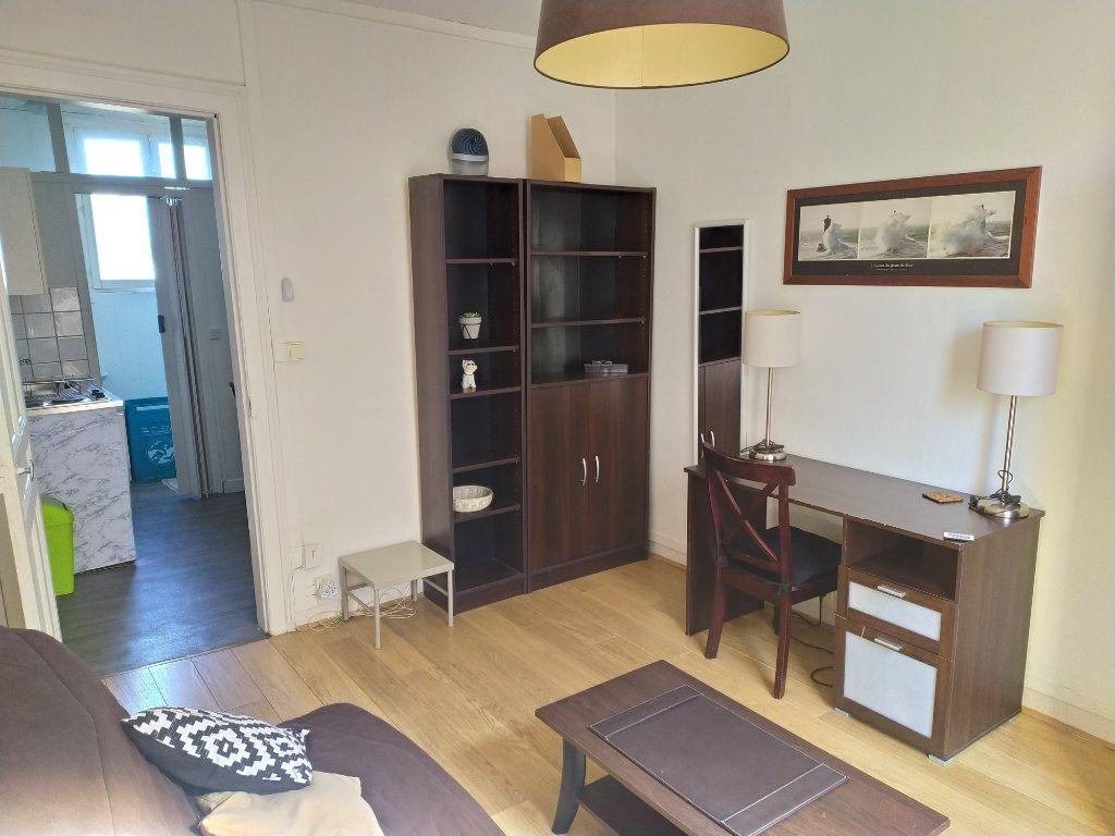 Appartement à louer 1 20.5m2 à Le Havre vignette-1