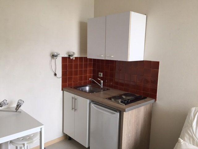 Appartement à louer 1 23.2m2 à Le Havre vignette-2