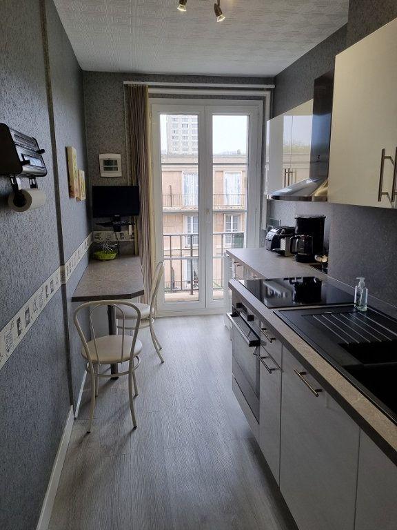 Appartement à louer 4 82.84m2 à Le Havre vignette-2