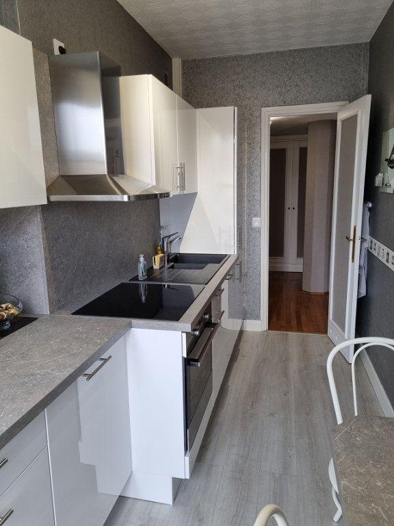 Appartement à louer 4 82.84m2 à Le Havre vignette-5