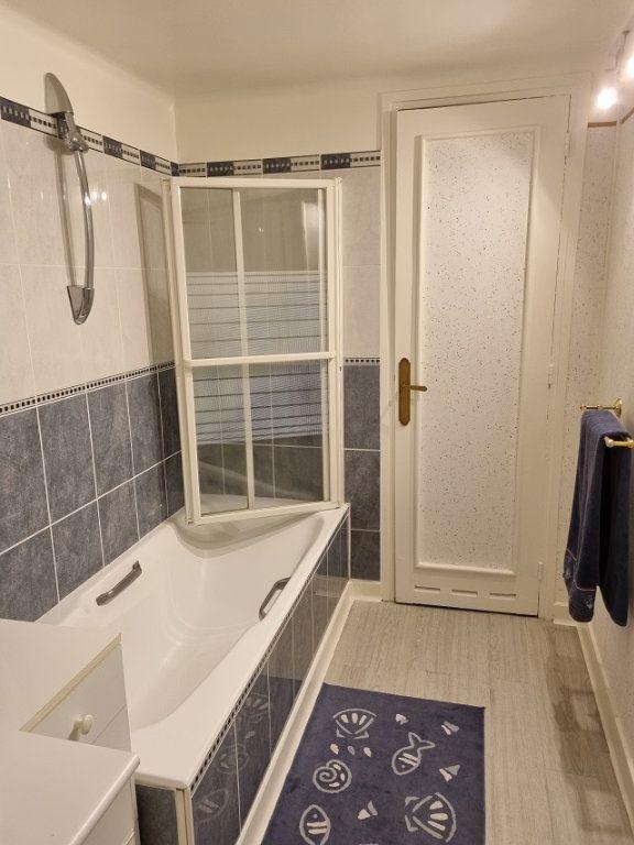 Appartement à louer 4 82.84m2 à Le Havre vignette-9