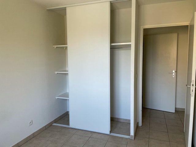 Appartement à louer 3 61.1m2 à Saint-André-les-Vergers vignette-3