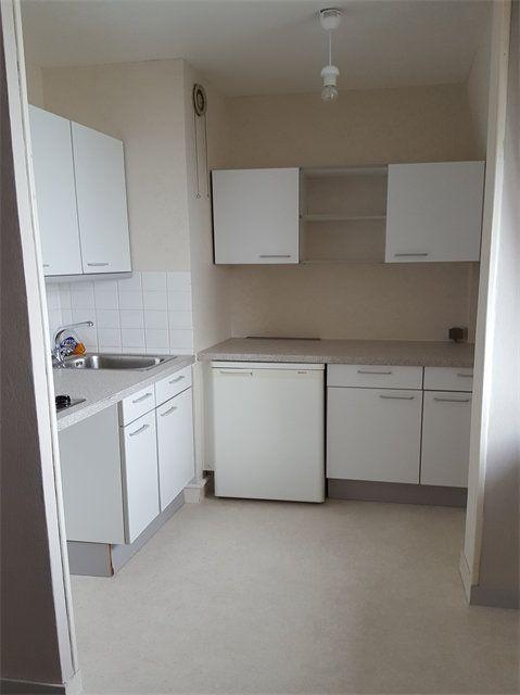 Appartement à louer 1 29.9m2 à Le Havre vignette-3
