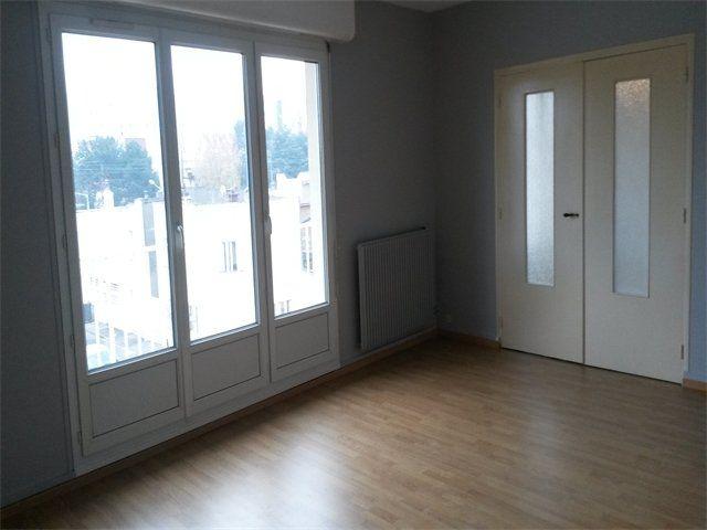 Appartement à louer 3 65.23m2 à Le Havre vignette-1