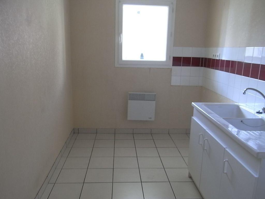 Appartement à louer 3 65.4m2 à Le Havre vignette-2