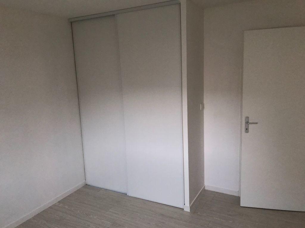 Appartement à louer 3 65.4m2 à Le Havre vignette-7
