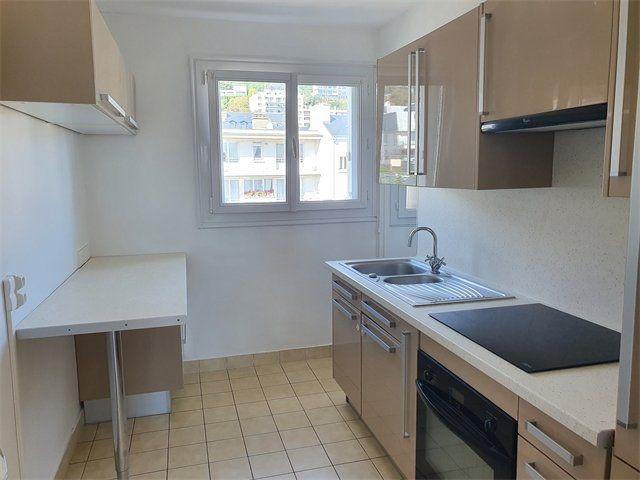 Appartement à louer 3 67.92m2 à Le Havre vignette-2