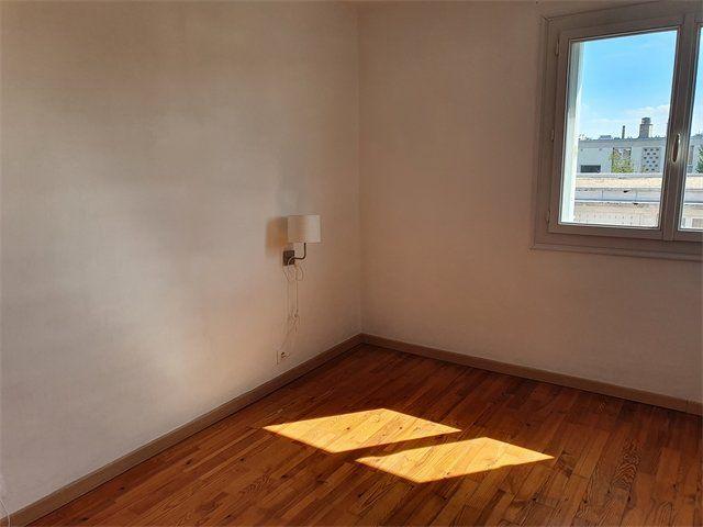 Appartement à louer 3 67.92m2 à Le Havre vignette-4