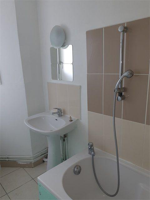 Appartement à louer 3 55.75m2 à Le Havre vignette-1