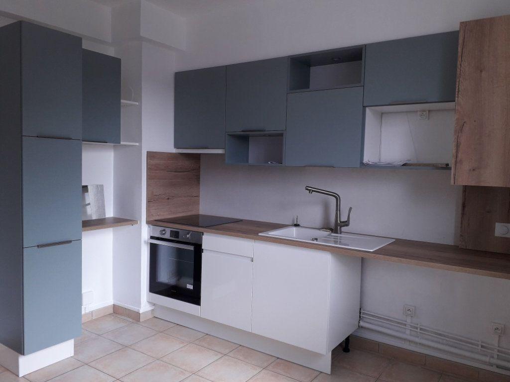 Appartement à louer 2 53.9m2 à Pont-Audemer vignette-1
