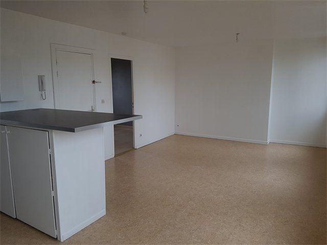 Appartement à louer 2 41.1m2 à Le Havre vignette-1
