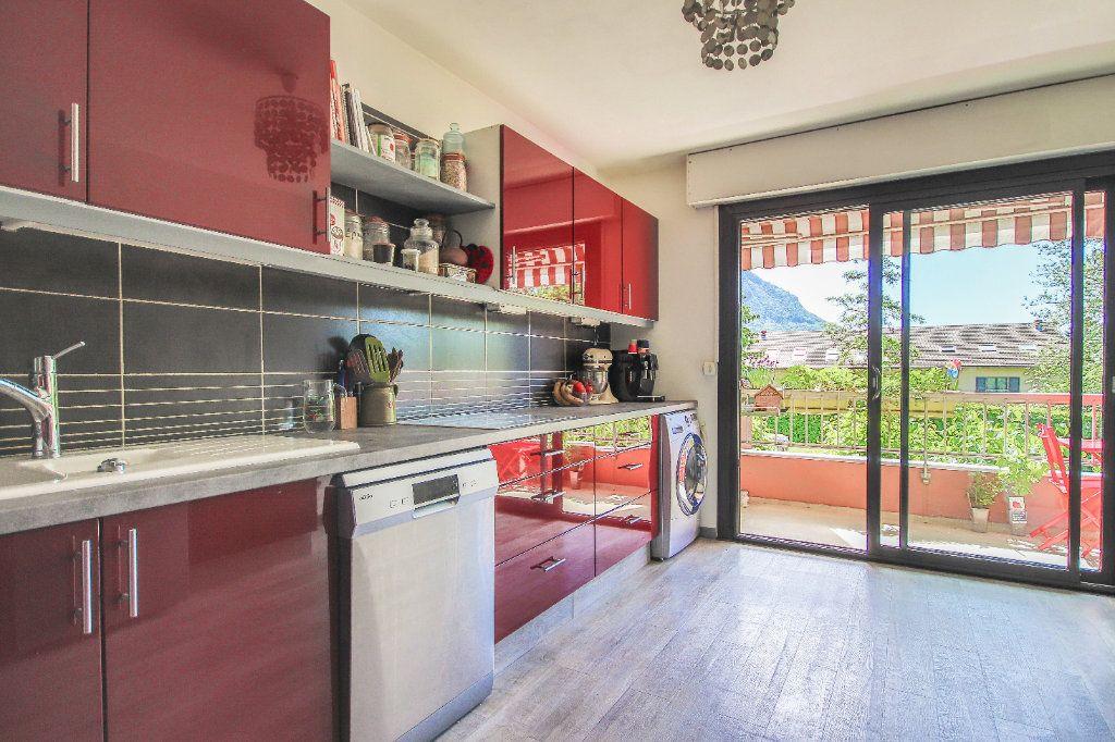 Appartement à vendre 3 80.4m2 à Annecy-le-Vieux vignette-3