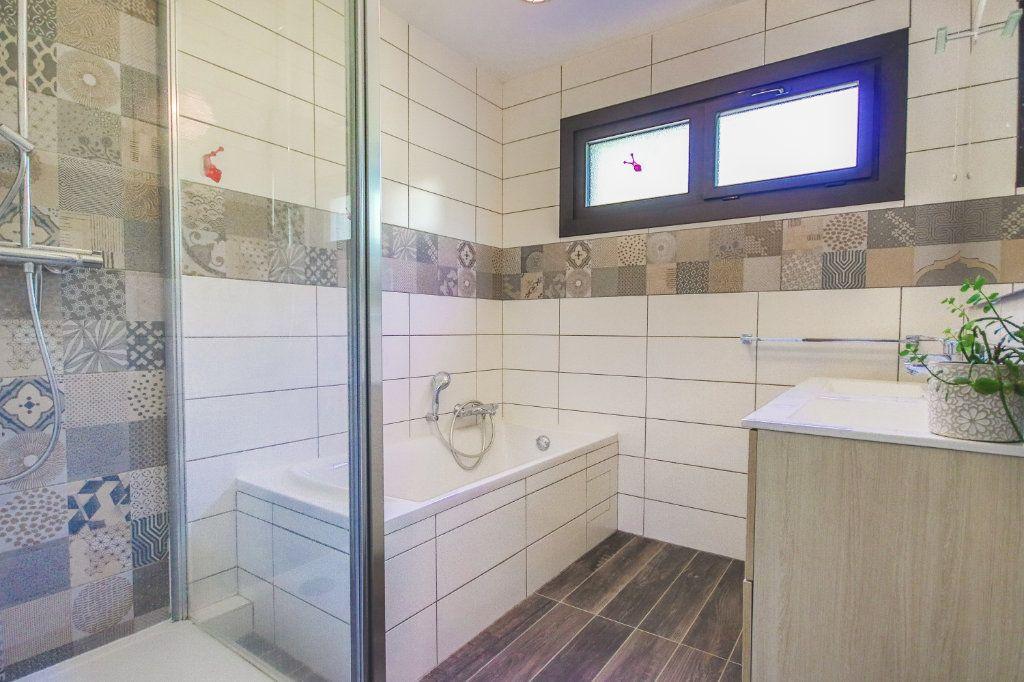 Appartement à vendre 3 80.4m2 à Annecy-le-Vieux vignette-7