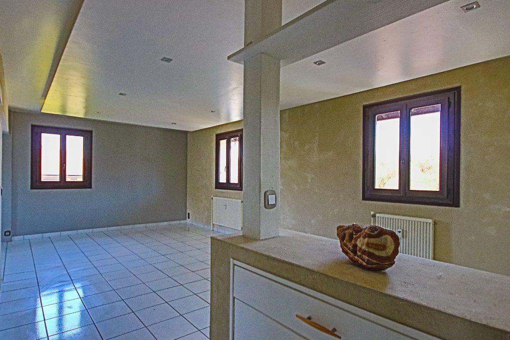 Appartement à vendre 3 65m2 à La Balme-de-Sillingy vignette-4