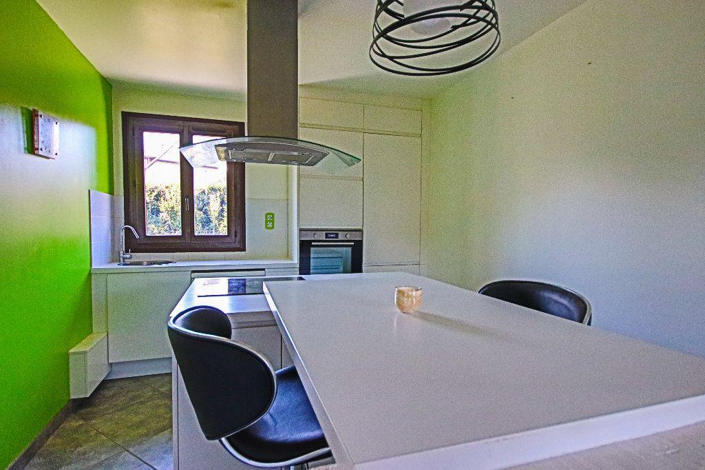 Appartement à vendre 3 65m2 à La Balme-de-Sillingy vignette-5