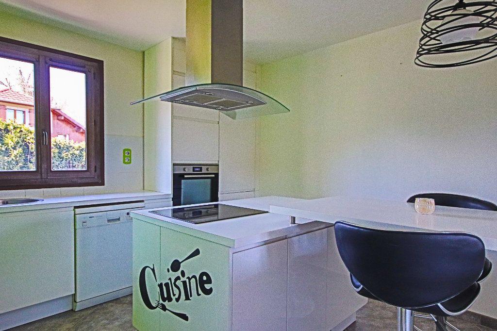 Appartement à vendre 3 65m2 à La Balme-de-Sillingy vignette-6