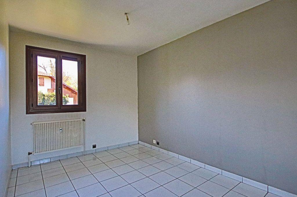 Appartement à vendre 3 65m2 à La Balme-de-Sillingy vignette-7