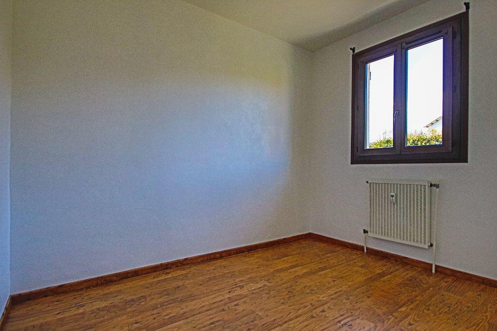Appartement à vendre 3 65m2 à La Balme-de-Sillingy vignette-8
