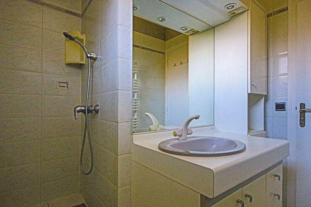 Appartement à vendre 3 65m2 à La Balme-de-Sillingy vignette-9