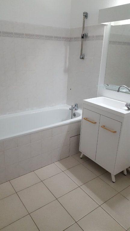 Appartement à louer 3 65.8m2 à Saint-Jean-de-Védas vignette-9