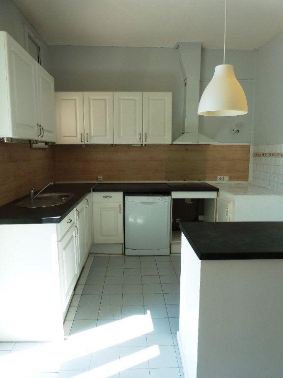 Appartement à louer 4 120m2 à Cournonterral vignette-3