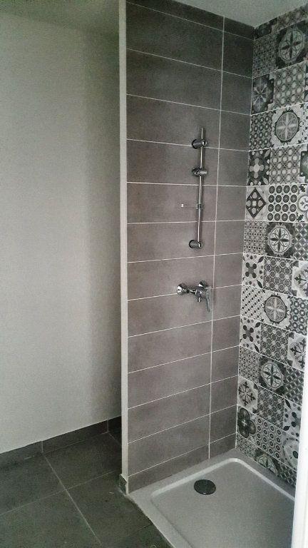 Appartement à louer 3 67.2m2 à Saint-Jean-de-Védas vignette-5
