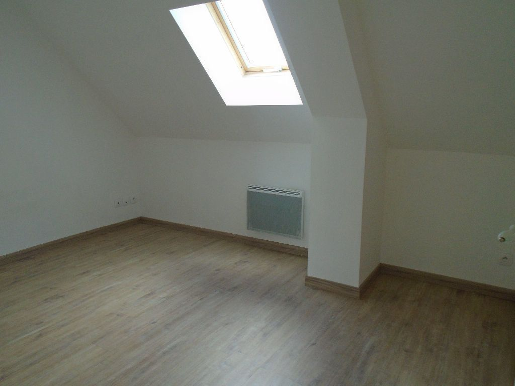 Maison à louer 4 95m2 à Tergnier vignette-2