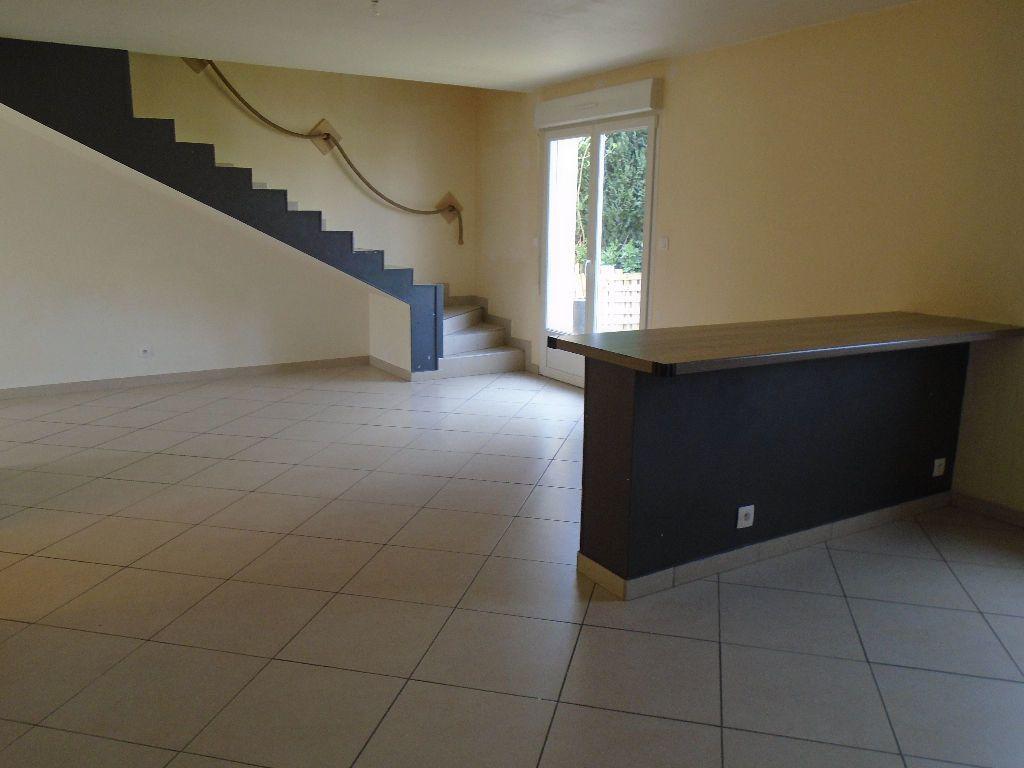Maison à louer 4 95m2 à Tergnier vignette-3