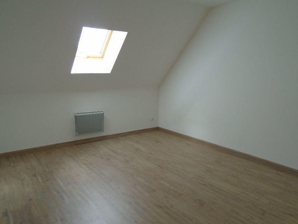 Maison à louer 4 95m2 à Tergnier vignette-6