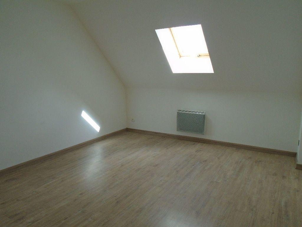 Maison à louer 4 95m2 à Tergnier vignette-7