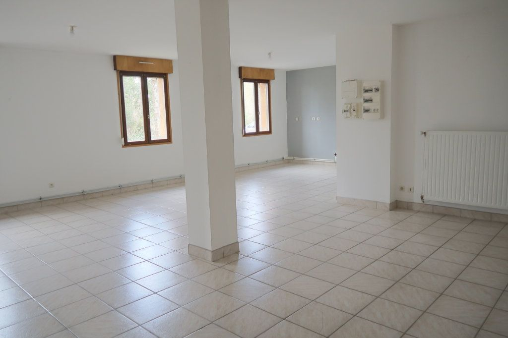 Appartement à louer 4 108.53m2 à Danizy vignette-1
