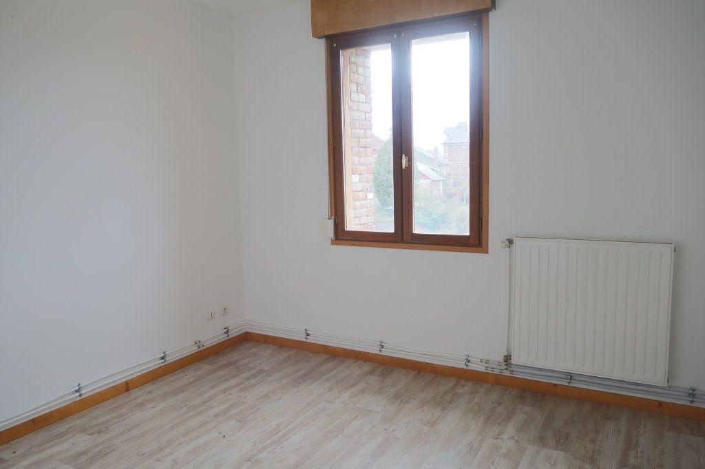 Appartement à louer 4 108.53m2 à Danizy vignette-3