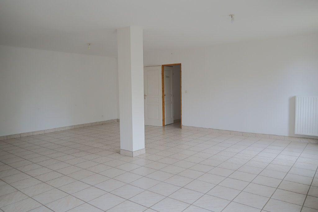 Appartement à louer 4 108.53m2 à Danizy vignette-5