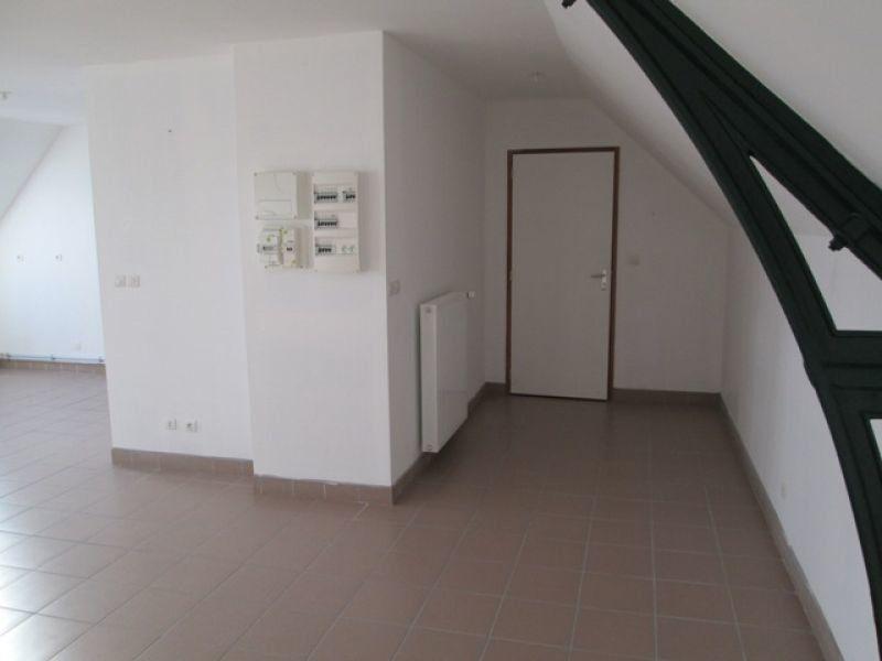 Appartement à louer 4 92.08m2 à Danizy vignette-1