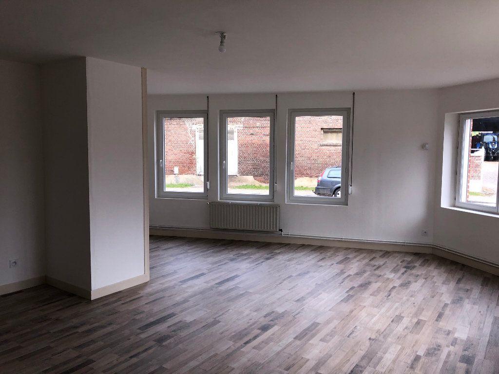 Appartement à louer 2 59.9m2 à Jussy vignette-1