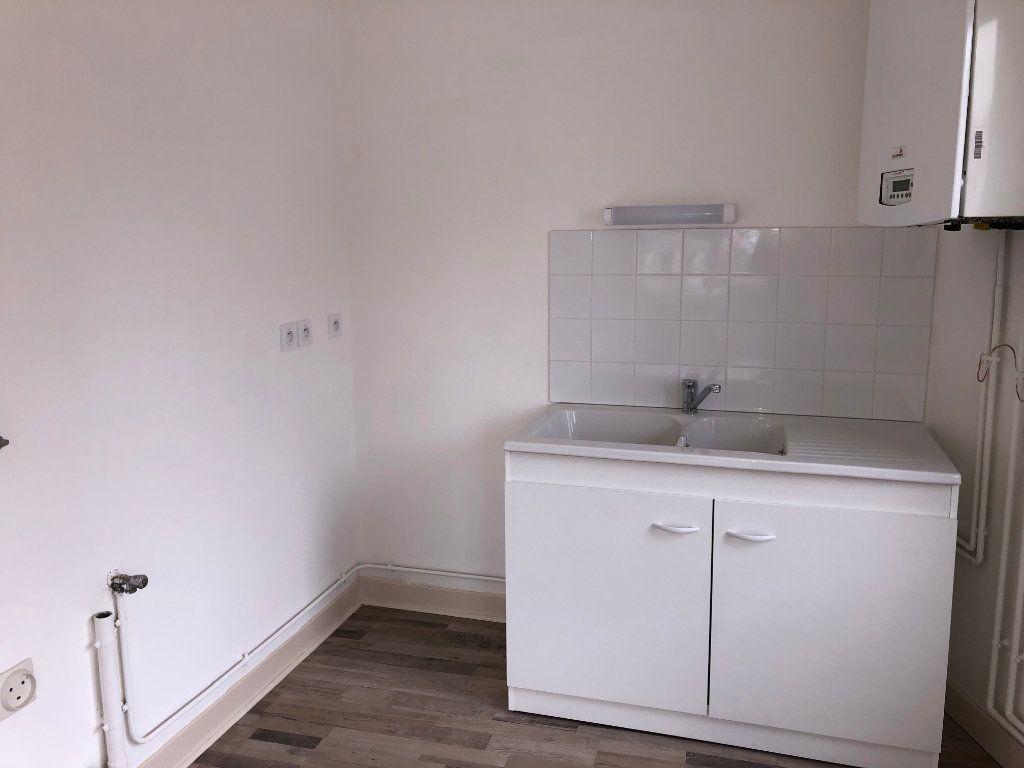 Appartement à louer 2 59.9m2 à Jussy vignette-4