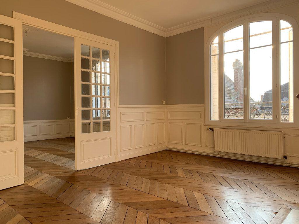 Appartement à louer 3 120m2 à Chauny vignette-1