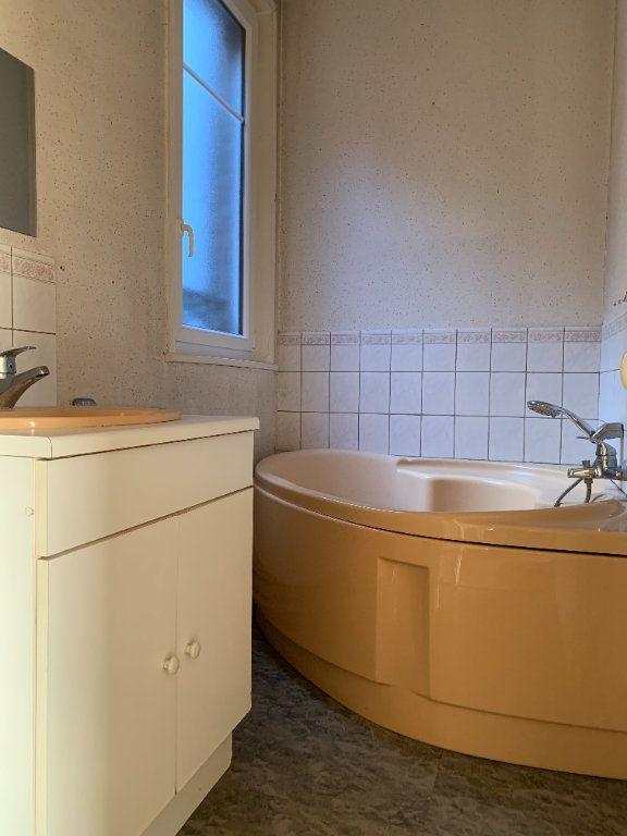 Appartement à louer 3 120m2 à Chauny vignette-5