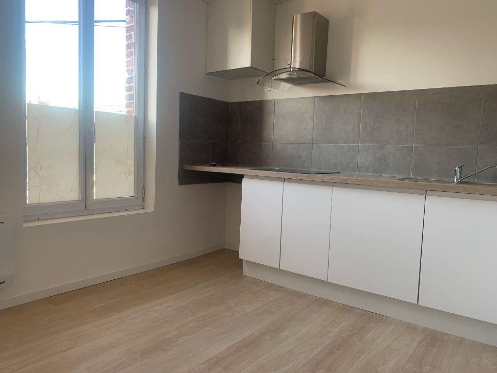 Appartement à louer 3 63.75m2 à Tergnier vignette-3