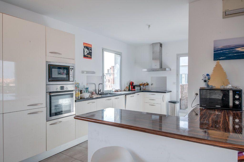 Appartement à vendre 5 123.74m2 à Toulouse vignette-3